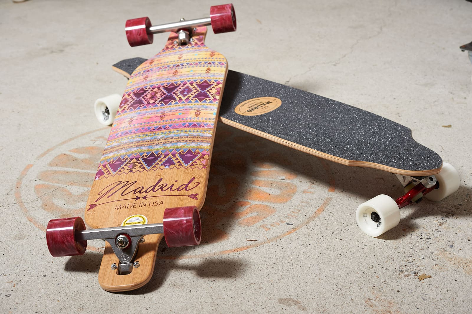 Ridez avec nos longboard skates